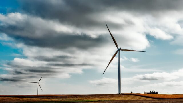 https://gallileolei.com/wp-content/uploads/2020/10/wind-farm-1747331_1920-640x360.jpg